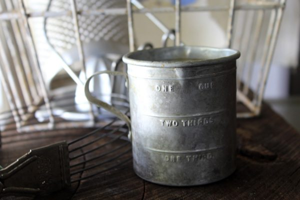 Flea Market Finds along our drive from our home to Montgomery Bell State Park in Tennessee. Vintage kitchen items, decor, and more. (And ideas for you!)
