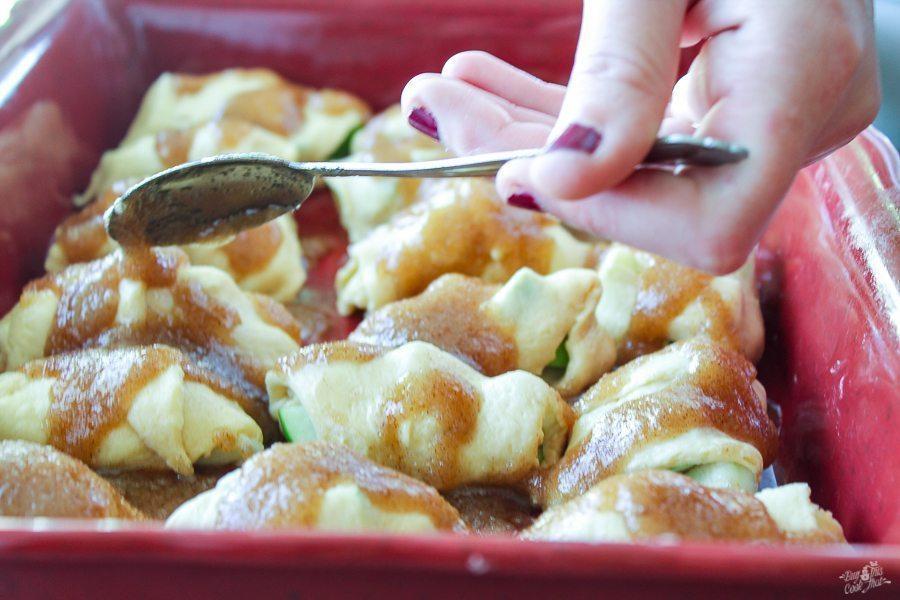 Mountain Dew Apple Dumplings are in my Top 10 Fave Desserts. Gooey, warm apple pie inside, sugary-cinnamon flaky dumpling crust.