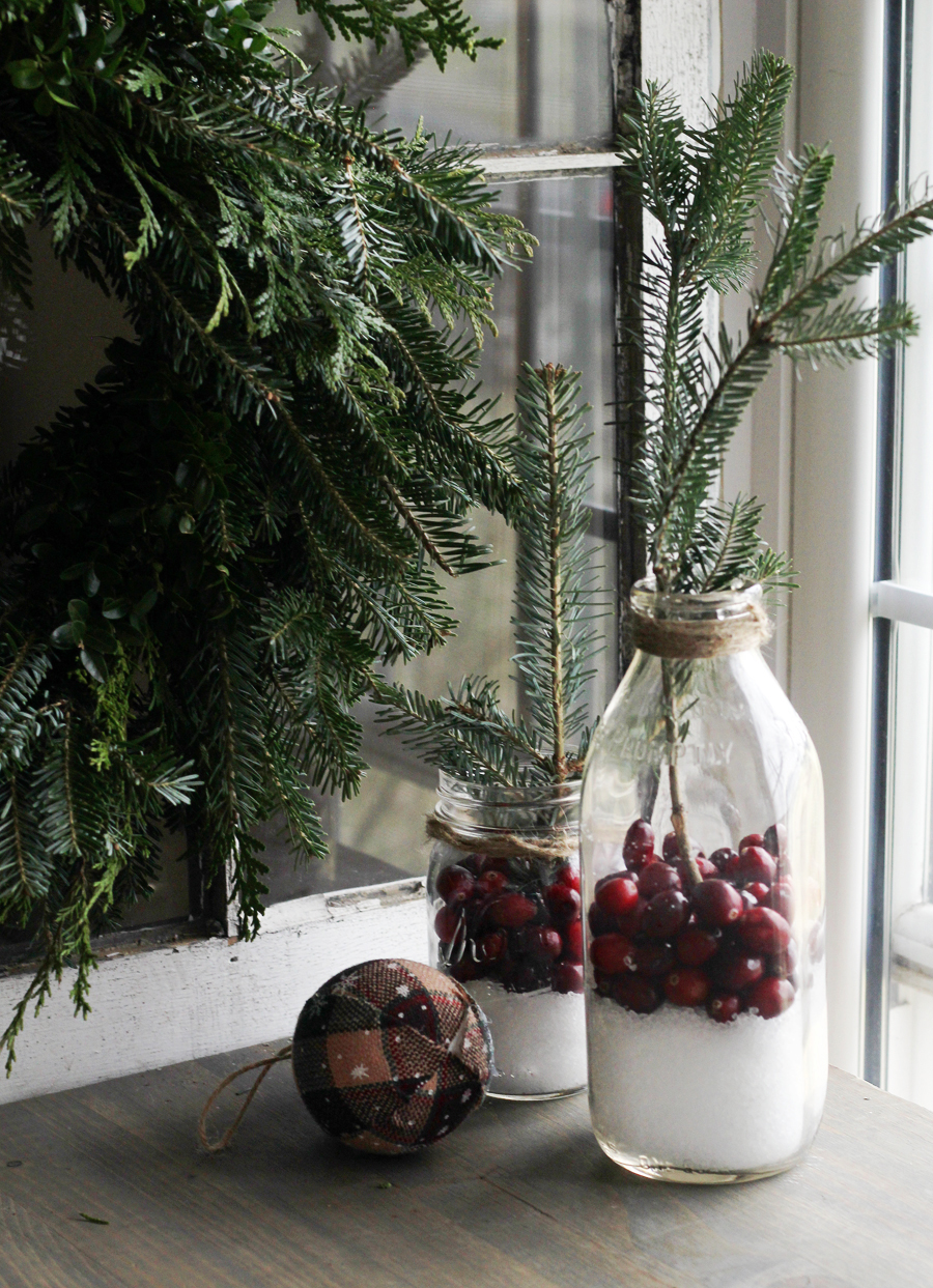 beautiful simple cranberry rustic christmas decor - Rustic Christmas Decor