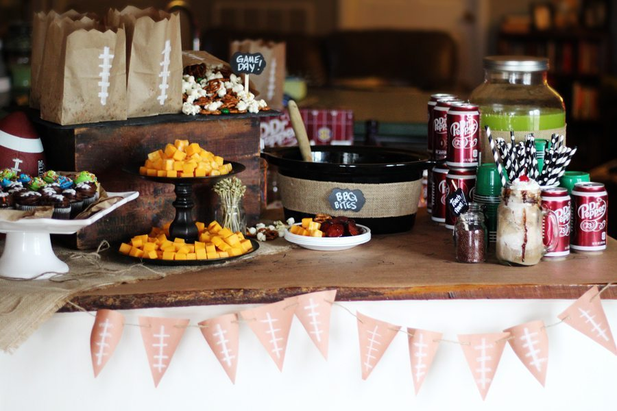 Fun and fast DIY party ideas for your College Football Playoff Party.