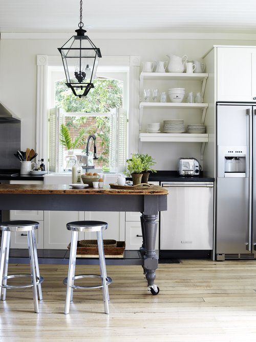 Mobile, rustic, narrow and ...perfect. Kitchen Islands done right.