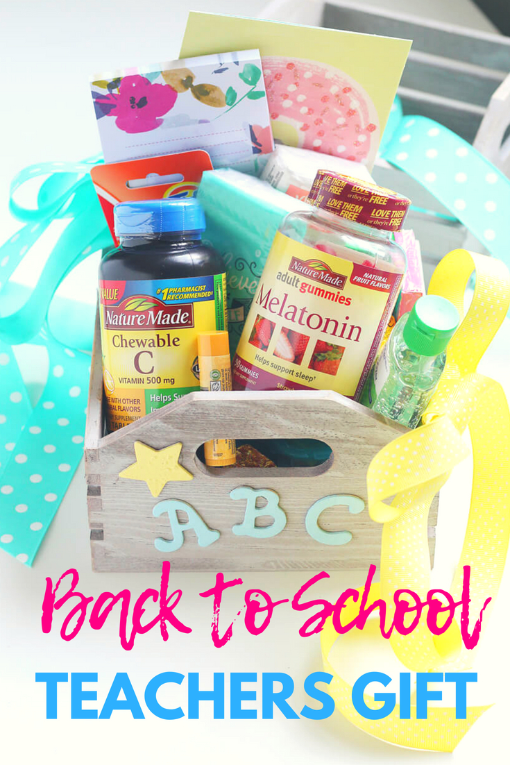 Welcome teacher back to school with this Survival Kit. This easy craft DIY is a great teachers gift with goodies to get everyone's year off to a great start.  #teachersgift #giftDIY